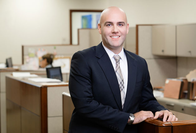 Troy D. Lipp: Litigation Lawyer New York