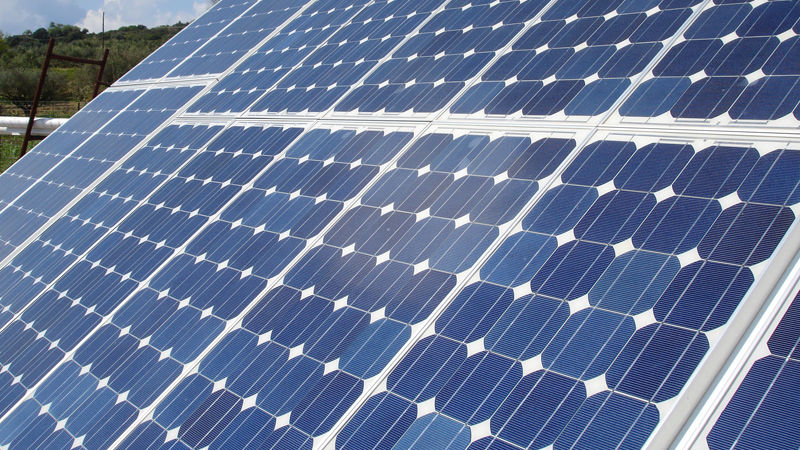 the development and use of solar panels Here's how you can find out which states have the best natural solar resources,  and which have policies that support the development of solar power.